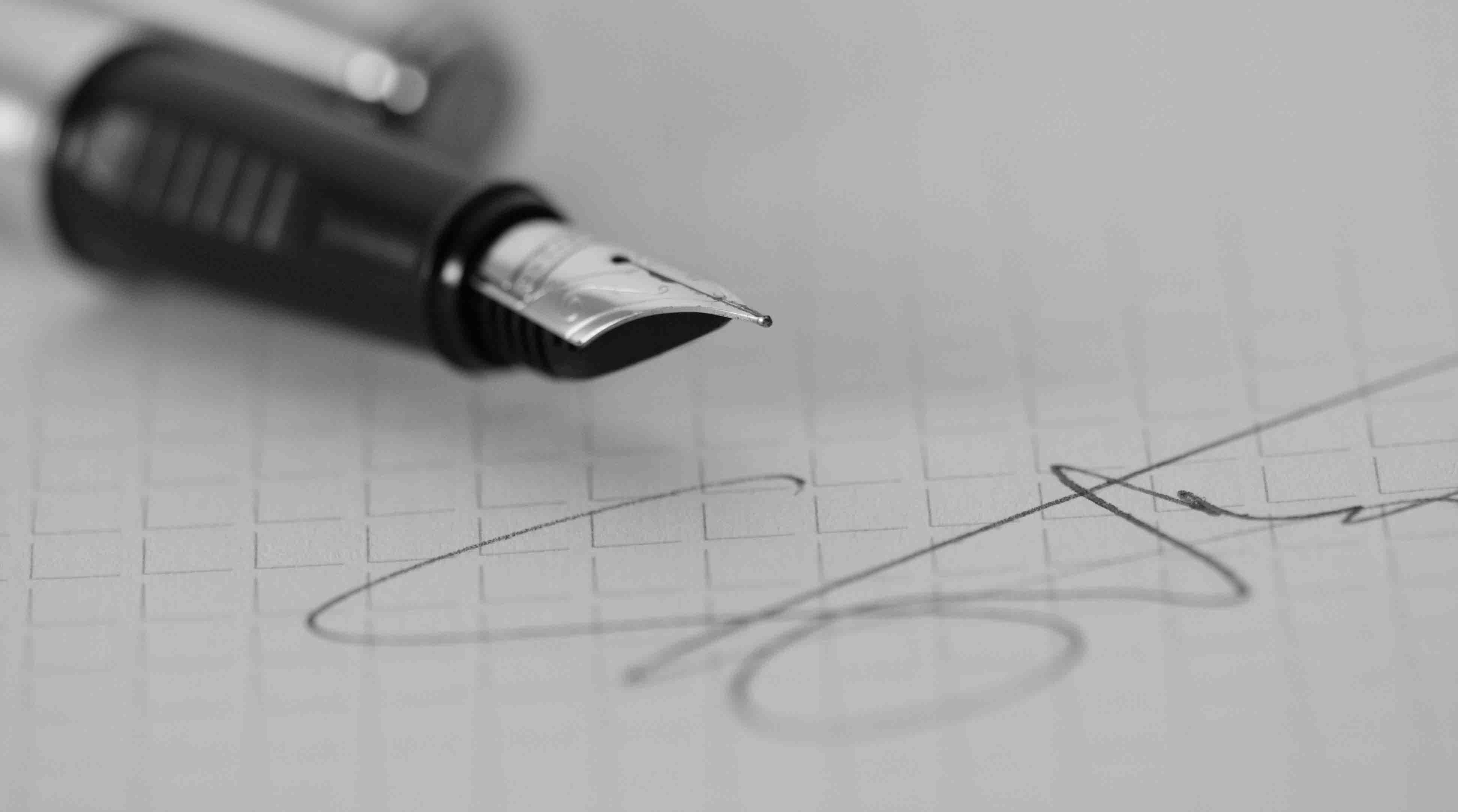 Signering. Var försiktig med vad du signerar så att du inte luras av nätbedragare och bluffakturor.
