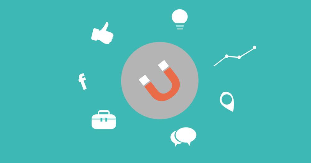 Olika ikoner och symboler som symboliserar marknadsföringstips till småföretagare.