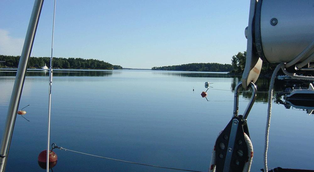 Blått vatten. Målet med Båtpoolarna är att alla ska få tillgång till det ljuva båtlivet.
