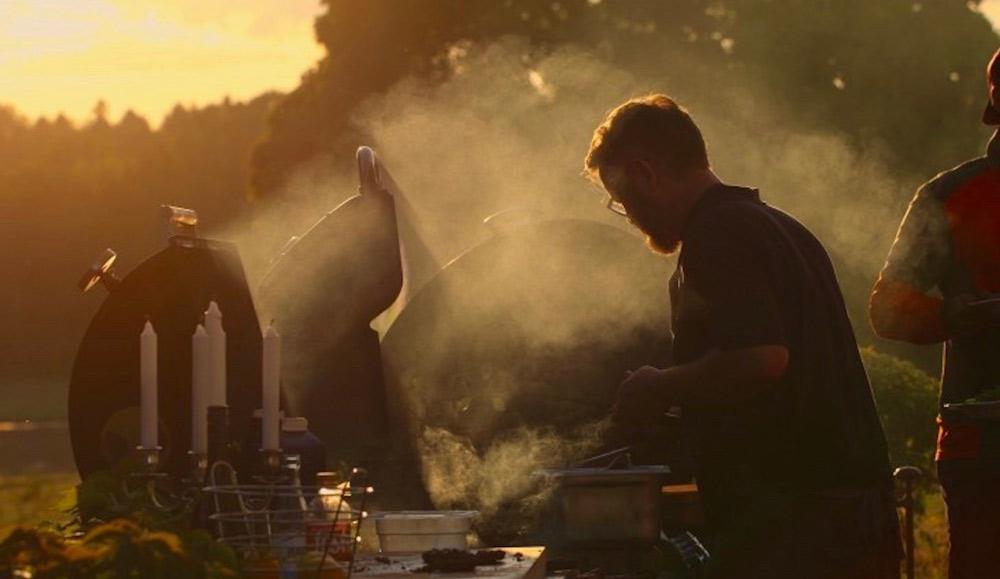 Loopia-kunden Christer arbetar som kock och har bland annat deltagit i BBQ-VM. Han driver hemsidan berattandekocken.se som han skapat i Loopia Sitebuilder.