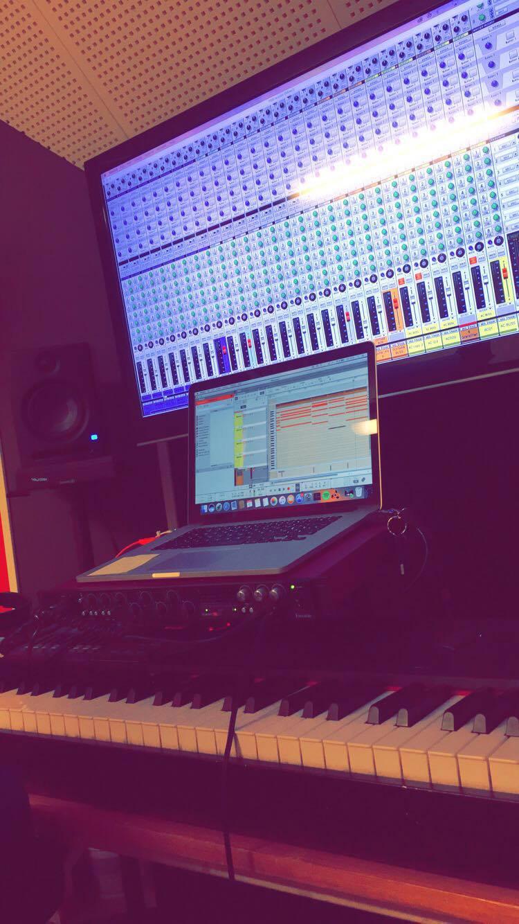UF-företaget Somnium Audio erbjuder utöver hörlurar också distribution av musiktjänster.
